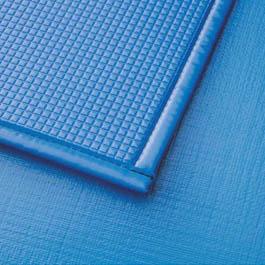 Pianka poliuretanowa o grubości 8 mm zamawiana na dokładny wymiar basenu w Wielkiej Brytanii.