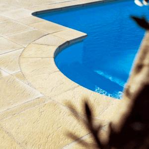 wieńce basenowe kamienne